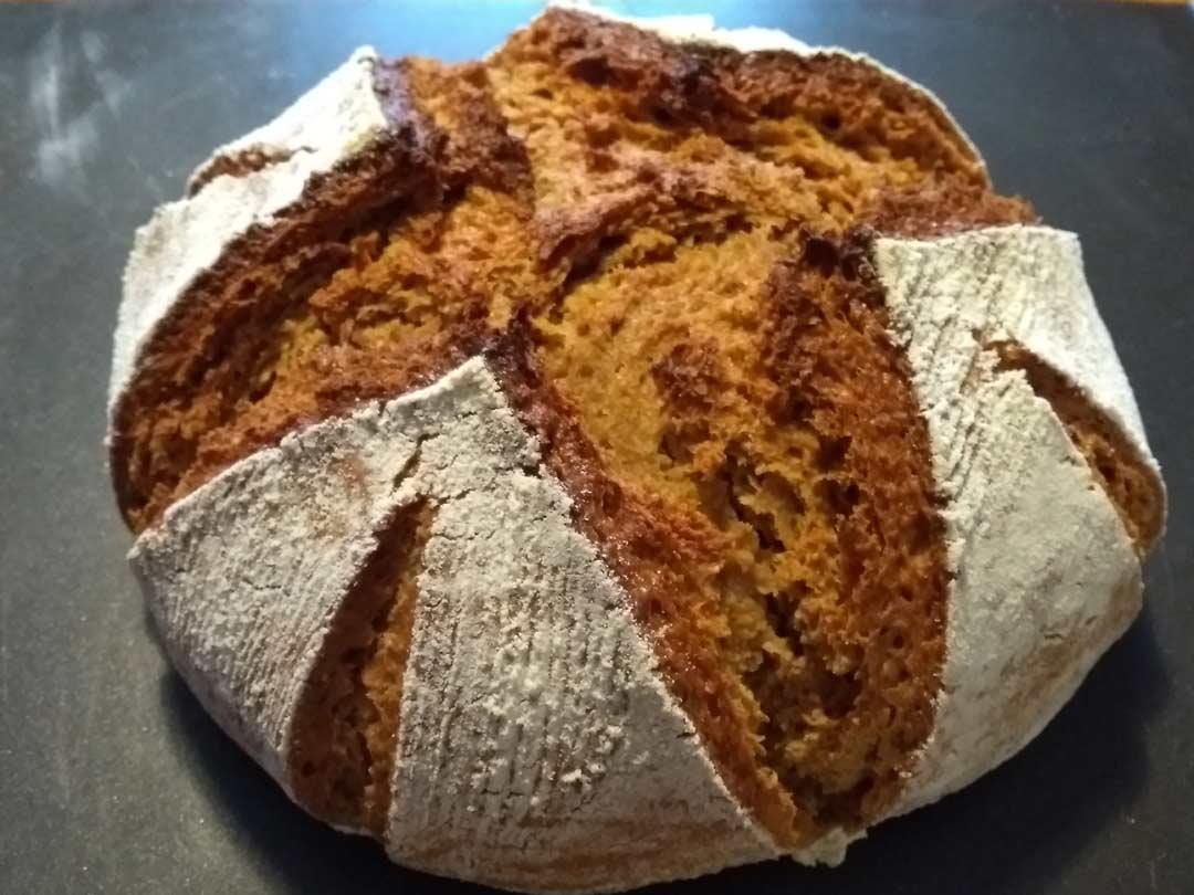 Ausbund beim Brotbacken