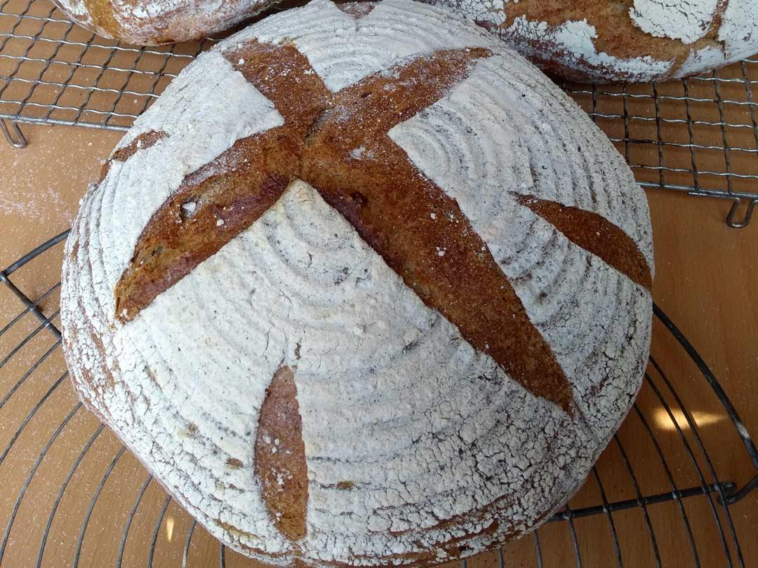 Brot eingeschnitten