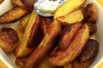 Kartoffelecken (Potato Wedges) aus dem Holzbackofen