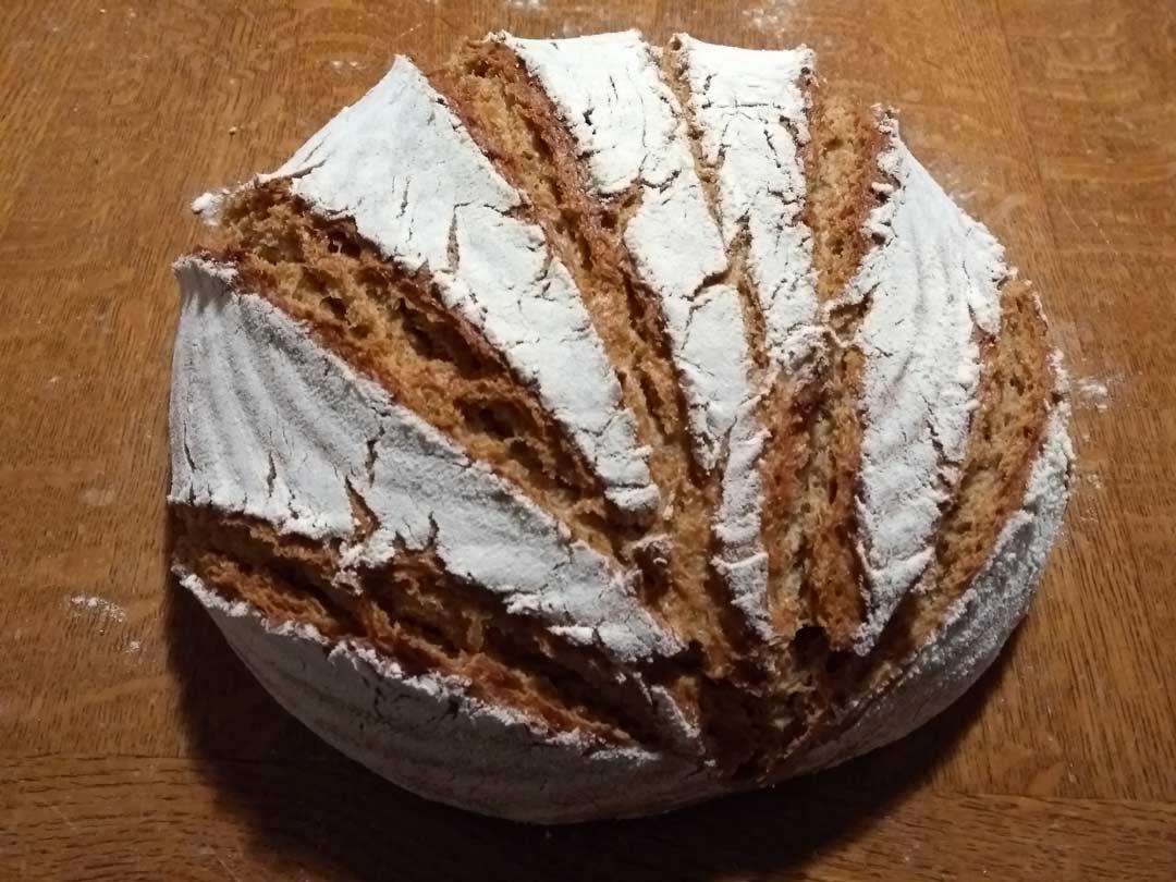 Brot modern eingeschnitten